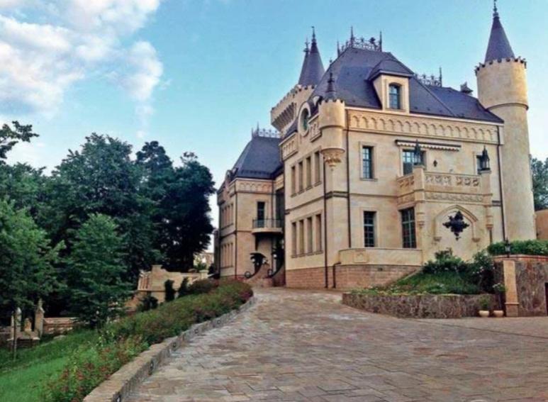 Замок Галкина и Пугачевой